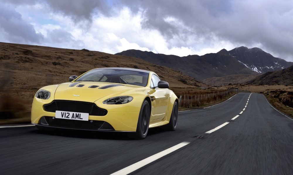 Aston Martin V12 Vantage Is a Car Enthusiast's Dream