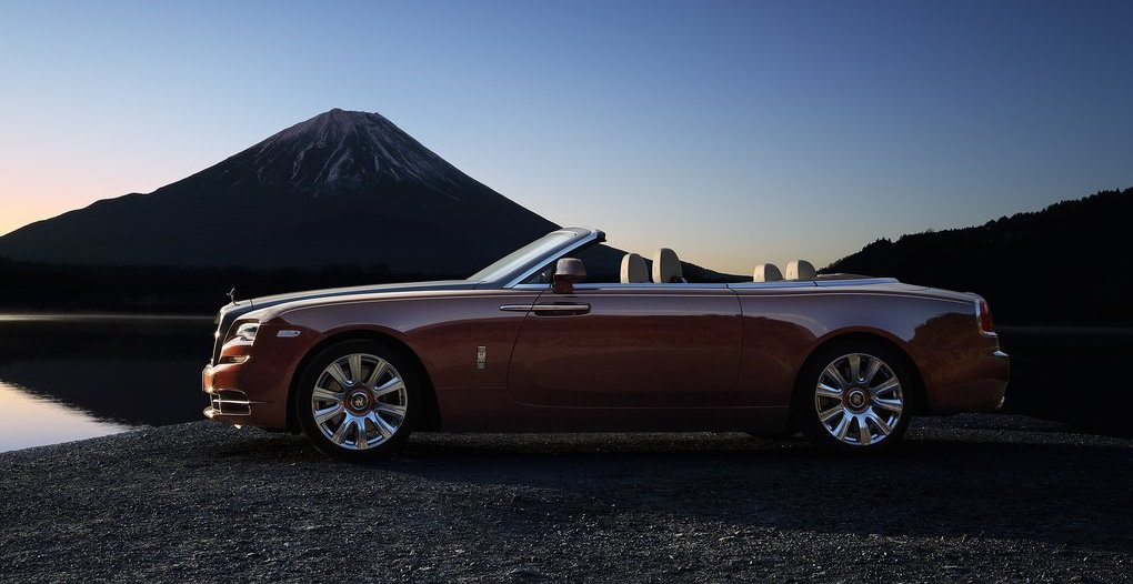 First Rolls-Royce Dawn Sells at Auction for $750K