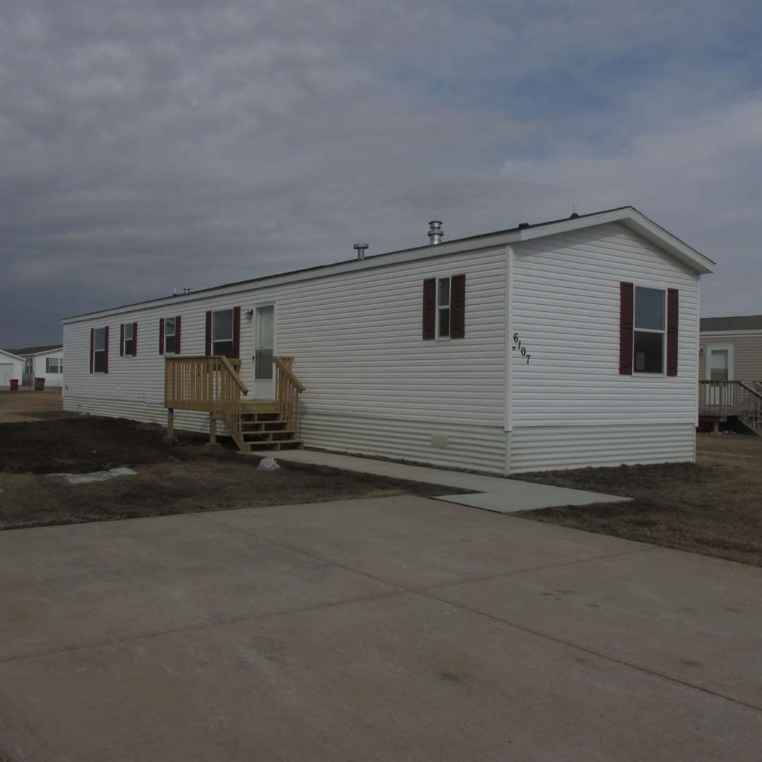 49,900 3 bed/ 2 bath 2017 Mobile Home