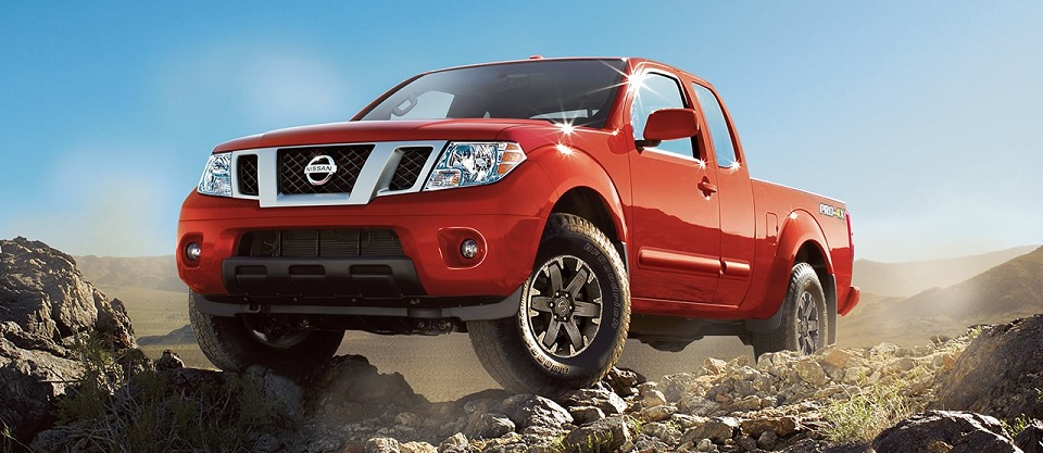 2017 Nissan Frontier - Lava Red