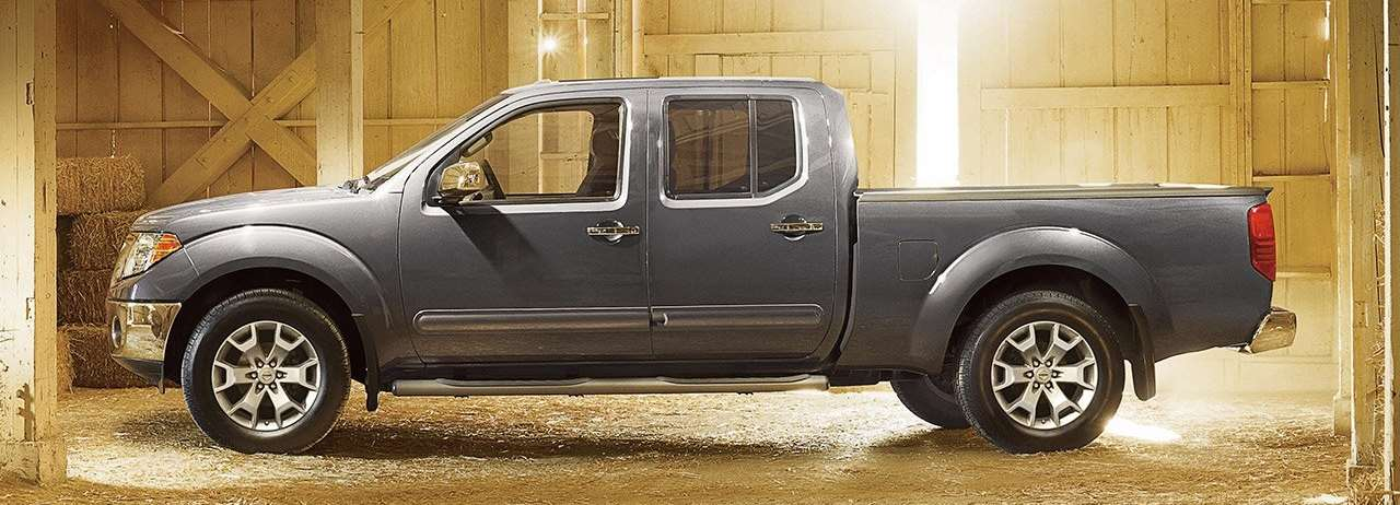 2017 Nissan Frontier Side View