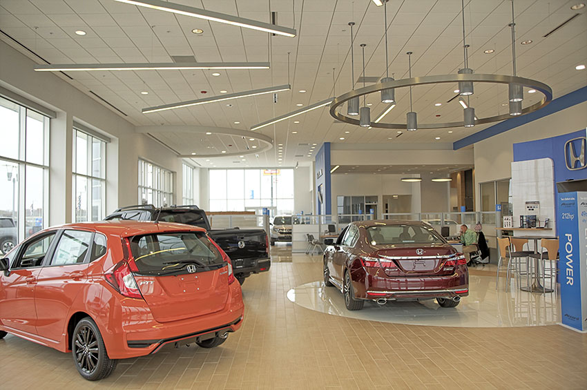 Roy Schmidt Honda Dealership Showroom