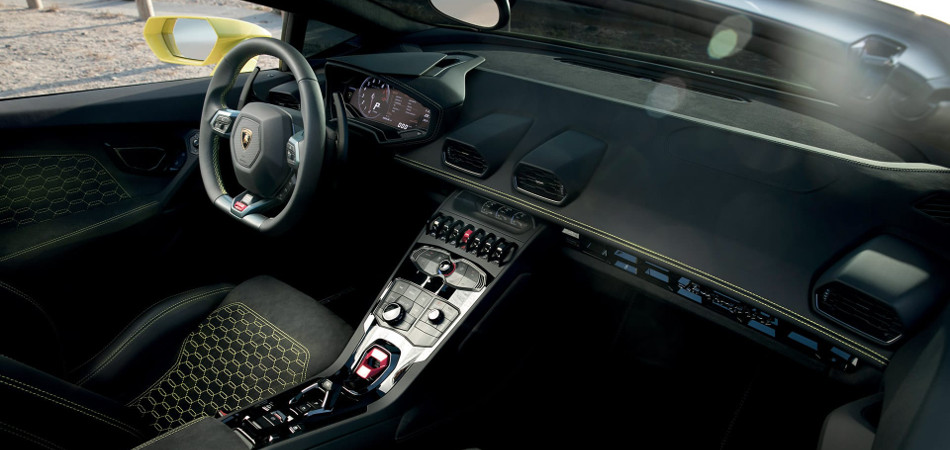 2017 Lamborghini Huracan RWD Spyder Interior View
