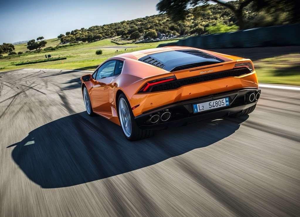 Lamborghini Huracan on the Track