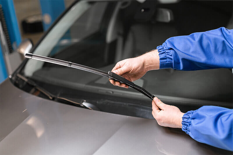 Summer Car Care Tips: Windshield Wiper Blades