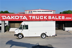2010 FREIGHTLINER MT45 3 PASSENGER 15FT STEPVAN W/FULL WORKSHOP