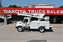 2005 INTERNATIONAL 4200 ALTEX L424 BUCKET TRUCK