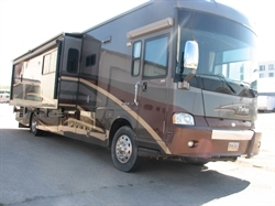 2007 WINNEBAGO---SALE!!!!!!!! PRICE $30,000 BELOW BOOK