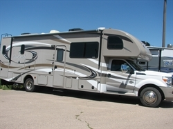 2013 THOR FOUR WINDS 33SW F550
