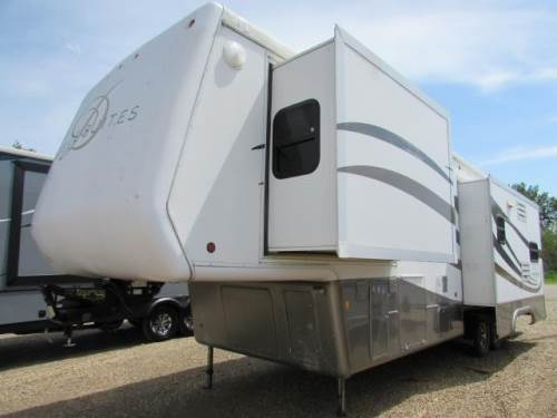 2005 DOUBLE TREE RV 33RS3