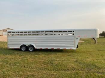 2020 SOONER 7.6X26 STOCK TRAILER
