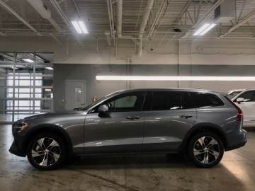 2020 VOLVO CROSS COUNTRY