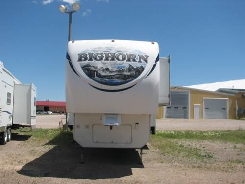2011 BIG HORN 3185RL