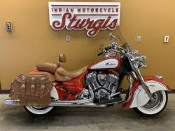 2019 INDIAN MOTORCYCLE® CHIEF® VINTAGE ICON SERIES PATRIOT RED/PEARL WHITE