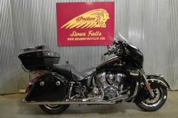 2018 INDIAN MOTORCYCLE® ROADMASTER® ABS THUNDER BLACK