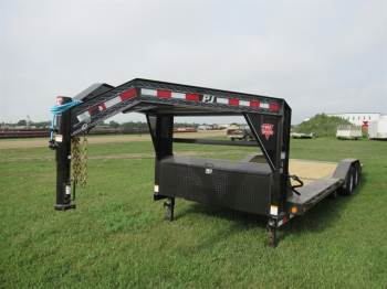 2020 PJ 24FT GN Tilt Deck Car Hauler