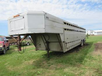 1976 CWCFL 30FT Horse Trailer