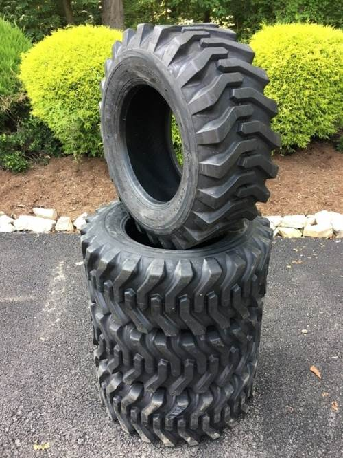 1900 CAMSO 753 tires