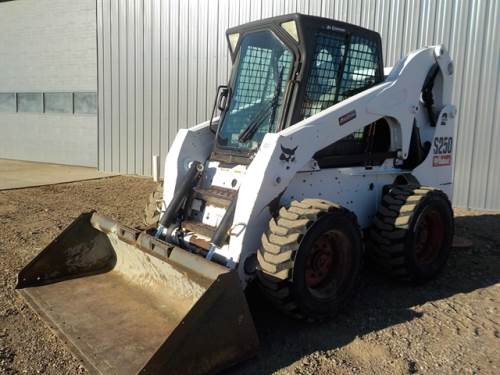 2010 BOBCAT S250 Skidsteer 2 speed